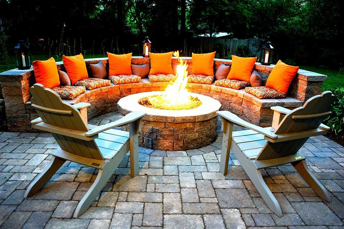 Outdoor fire pits-Lakeland FL Landscape Designs & Outdoor Living Areas-We offer Landscape Design, Outdoor Patios & Pergolas, Outdoor Living Spaces, Stonescapes, Residential & Commercial Landscaping, Irrigation Installation & Repairs, Drainage Systems, Landscape Lighting, Outdoor Living Spaces, Tree Service, Lawn Service, and more.
